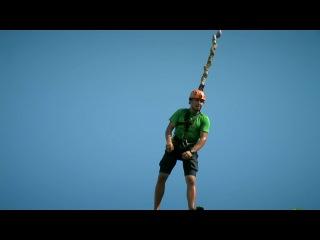 Безопасные и фантастические прыжки на веревке с крыши 16-ти этажного дома! (Rope Junping)